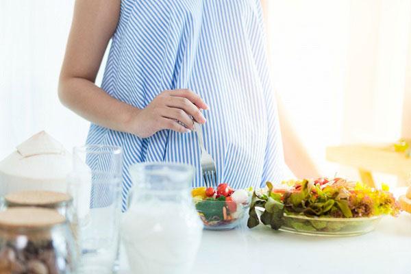 درمان کمخونی در بارداری با تغذیه
