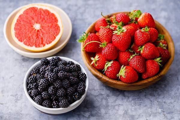 دیابتی ها چه میوه هایی بخورند؟