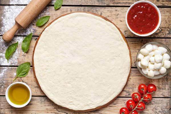 طرز تهیه خمیر پیتزا برای 4 نفر