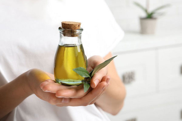 مضرات روغن زیتون برای مو