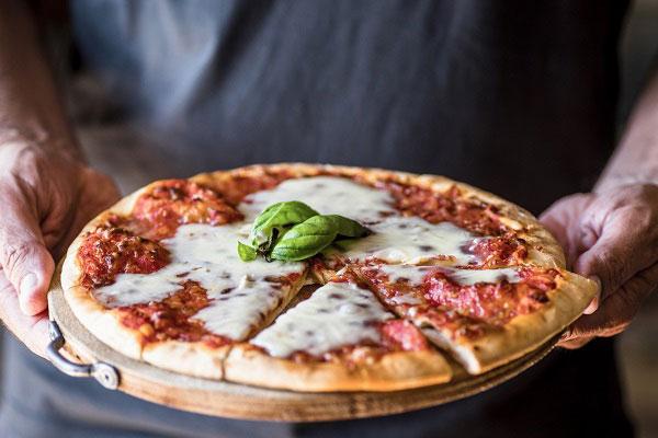فواید پنیر پیتزا در بدنسازی